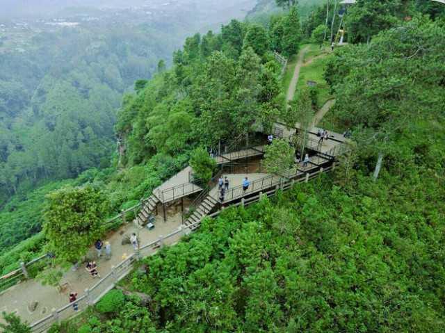 Taman Hutan Raya Juanda Andrew Hidayat KPK