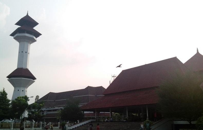 masjid-banten-Andrew-Hidayat-KPK