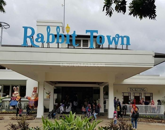 rabbit town Andrew Hidayat KPK