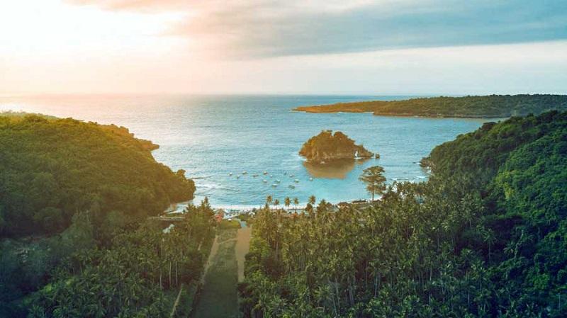 Pantai Crystal Bay Andrew Hidayat KPK